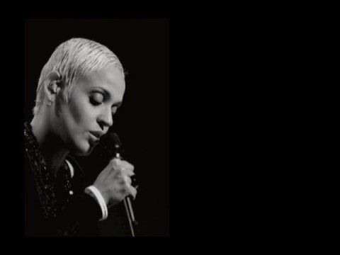 Mariza & Paulo de Carvalho - Mundo Inteiro - YouTube songs I truly love,,,the fado.