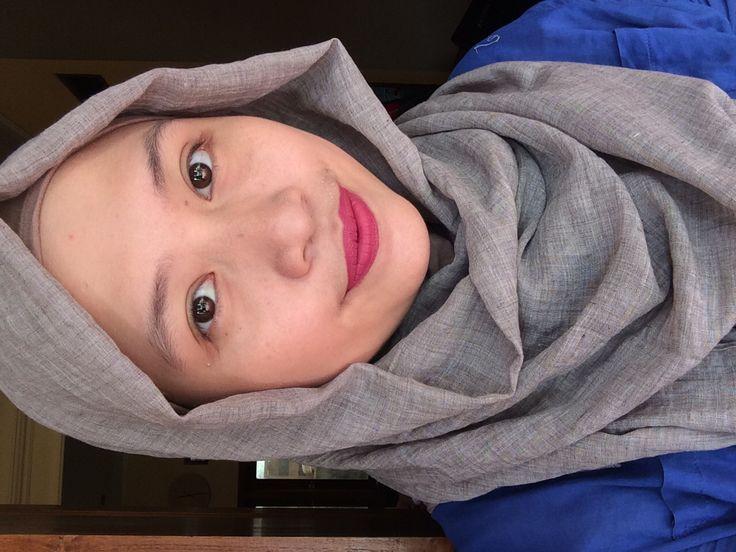 Wearing Mineral Botanica Soft Matte Lip Cream 006 - Plum Fairy