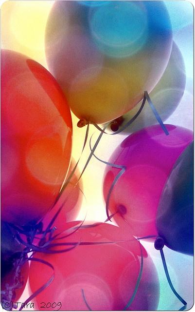 Luftballons, bunt und entspannend mit www.harmonyminds.de