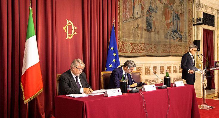Relazione Annuale 2015 Inail - Giuliano Poletti, Ministro del lavoro e delle politiche sociali - Vice Presidente della Camera, Simone Baldelli - Presidente dell'Inail, Massimo De Felice