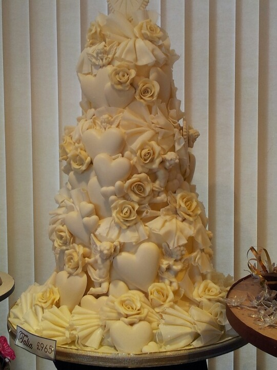 Chocolate Wedding Cakes Strawberry Cigerello Tiered Round