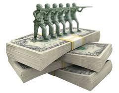 Pierre de Villiers, le chef d'état-major des armées, réclame une hausse du budget de la Défense à 2% du PIB en 2020 pour faire face aux nouvelles menaces. Jusqu'ici, la France s'est engagée avec les autres membres de l'Union européenne à atteindre ce niveau d'ici à 2024.