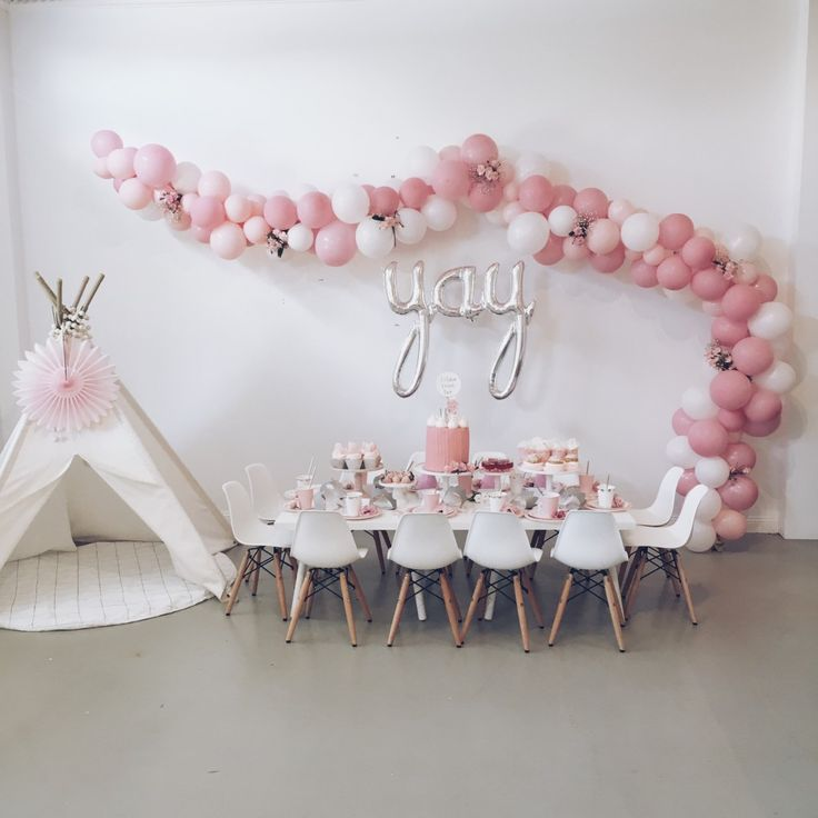 25 best ideas about pink party decorations on pinterest for Baby girl birthday decoration pictures