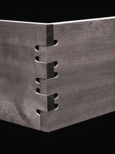 CNC cut wood joint by Prof. Jochen Gros and Designer Friedrich Sulzer. Nice.