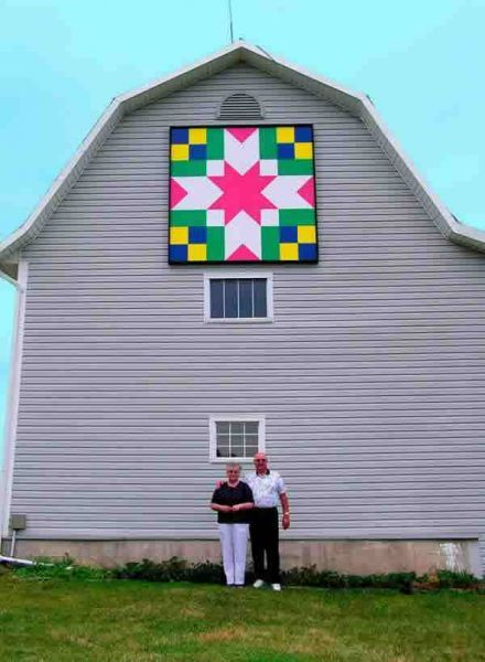 17 Best images about Barn Quilts on Pinterest Tennessee, Barn quilt patterns and Black barn