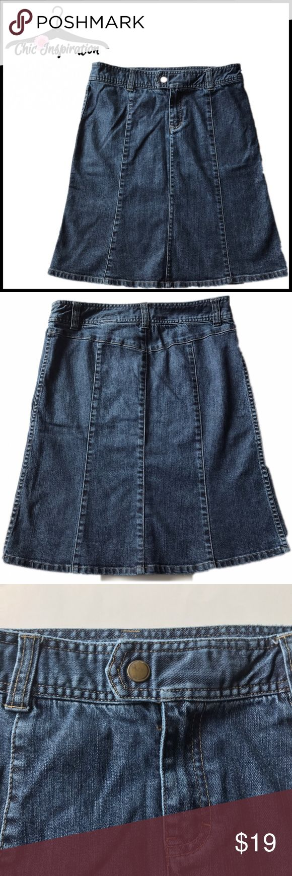 H&M Jean Skirt 99% cotton. Front button and zipper. See wear at the waist on the hem in the photos. Snap button. H&M Skirts A-Line or Full