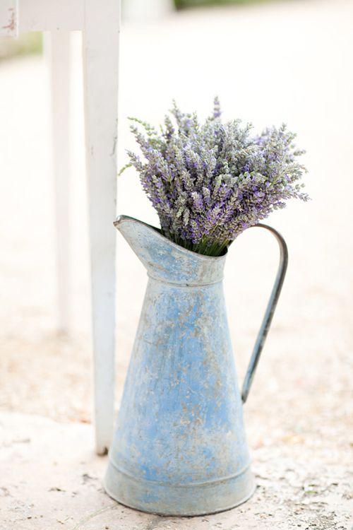 Els blancs de somni: Gràcies Style Em Pretty, FELIÇ KT, i Sara Jean Esdeveniments ~ Sonoma Lavender Farm