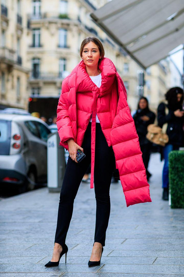 Street Style París: o como viven las parisinas la semana de la moda. Te recopilamos sus looks de la mano del fotógrafo Jonathan Paciullo.