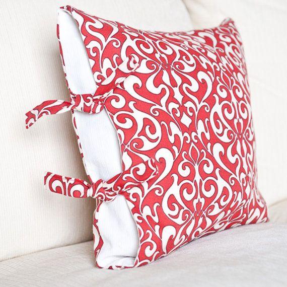 Side Tie Pillow Case PDF Sewing Pattern by BLISSFULpatterns
