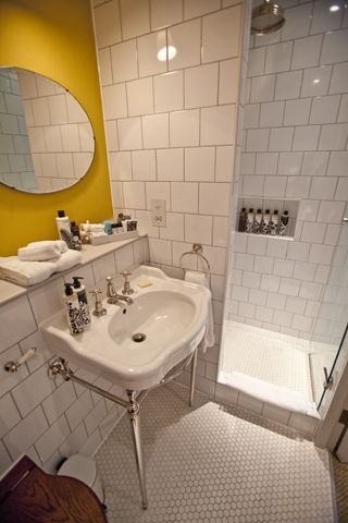 SOHO HOUSE_spot colour wall (BATHROOMS AS BEAUTIFULLY DESIGNED & FUNCTIONAL AS REST OF SPACE_LOCKERS!!!)