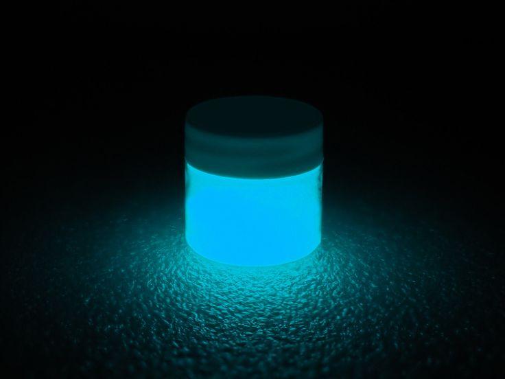 Best 25 glow paint ideas on pinterest glow in dark for Glow in the dark paint for real pumpkins