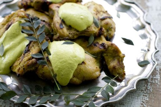 pui cu pasta de curry verde