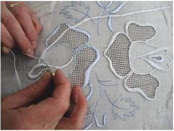 HEARTS - Hand Embroidery Arts