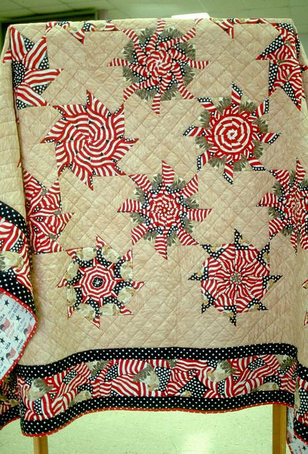 U.S. Army Arts and Crafts Competition - 2005 - FMWRC - Stack & Whack Quilt copy | Flickr - Photo Sharing!