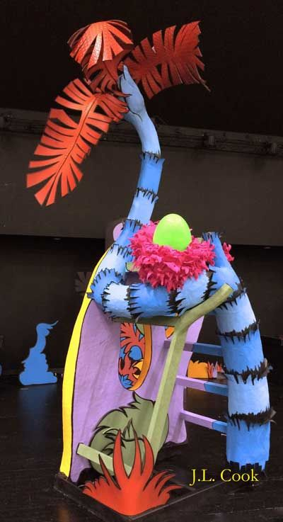 Horton's Egg, Nest and Tree from Seussical