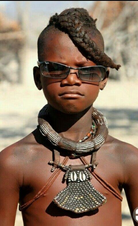 Голые модели из африканских племен фото 14
