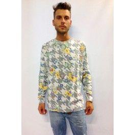 maglia con fantasia di fiori e farfalle 100 % cotone