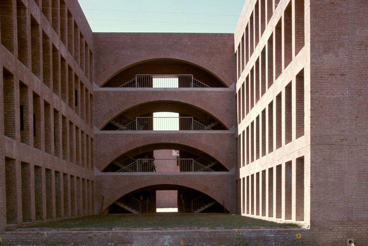 Louis kahn maestri kahn pinterest museums louis for Louis kahn buildings