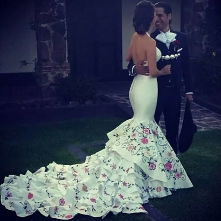 Say yes to the dress                                                                                                                                                                                 More
