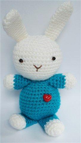 Kanin Hopps-Ann fick ett dekorativt rött hjärta. Finns på sidan; salabim.tictail.com