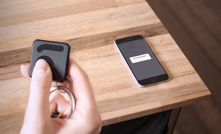 Non trovi lo smartphone? Fallo suonare premendo il pulsante di Filo! You cannot find your smartphone? Make it ring by pushing Filo's button!