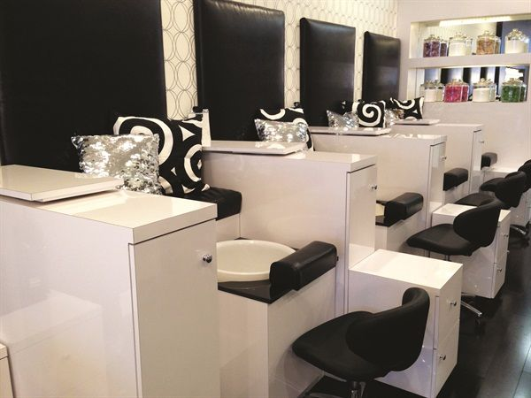 20 best images about fab nail salon designs on pinterest for Salon de pedicure