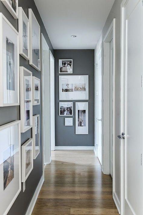 Corridoio Con Composizione Di Quadri A Parete Colore Per Corridoio