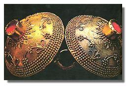 Alcuni oggetti di artigianato sardo - gioiello, orecchini
