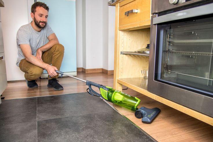 ¡El cómodo y práctico aspirador ciclónico sin bolsa Dúo Stick Easy 5006 no puede faltar en la sección de pequeños electrodomésticos de tu hogar!
