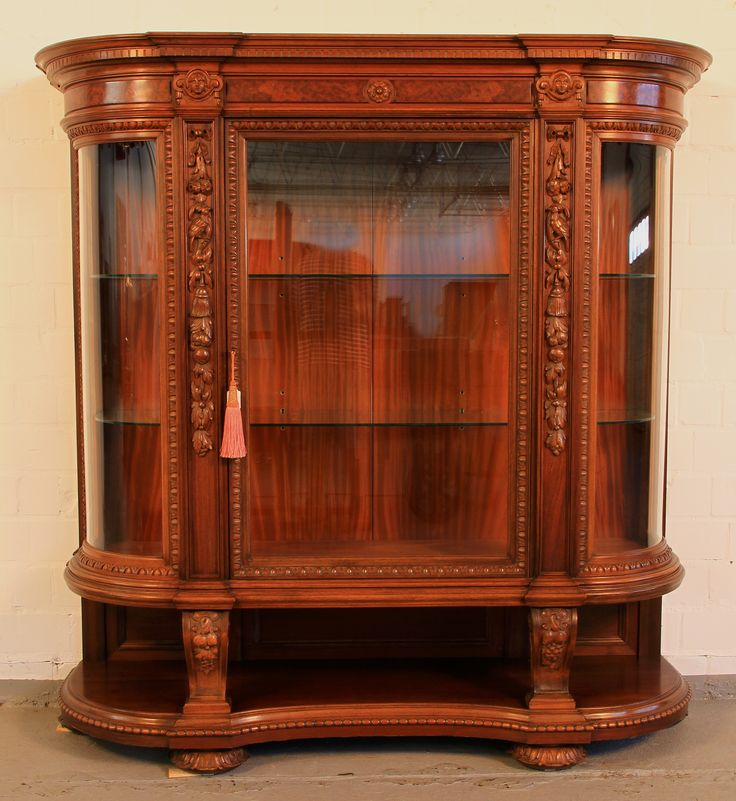 24 best antike vitrinen images on pinterest antike. Black Bedroom Furniture Sets. Home Design Ideas