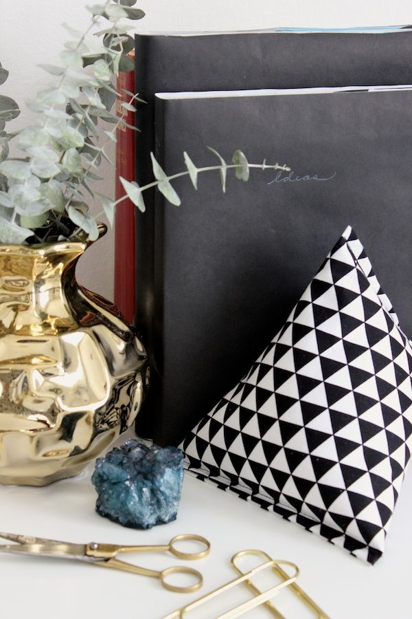 DIY Fabric Pyramid Bookends from Fabric Paper Clue for Design Sponge
