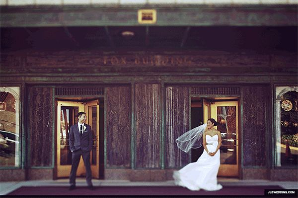 What about a wedding GIF instead of just plain old photos? A cool way to remember the day! GIF/images by JLB Wedding.
