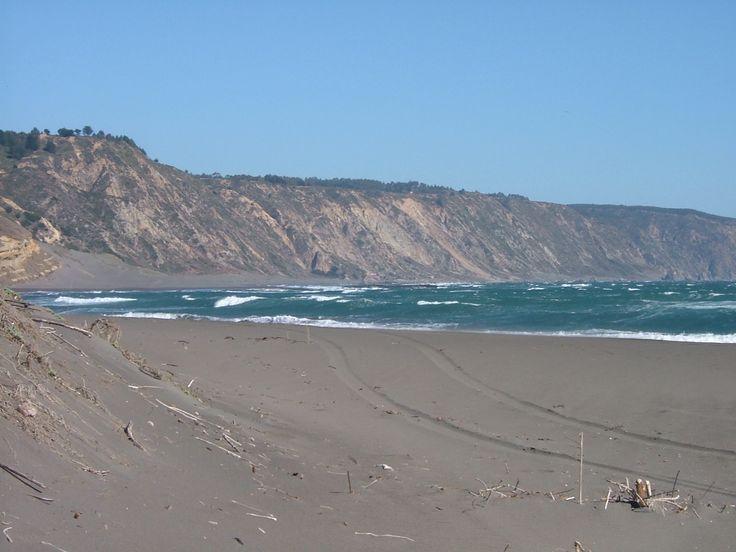 Matanzas, es una localidad costera perteneciente a la comuna de Navidad, ubicada al Nor-poniente de la Provincia Cardenal Caro, VI Región del Libertador General Bernardo O'Higgins. Ocupando los terrenos adyacentes a la caleta del mismo nombre, frente a los islotes Lobos y Pájaros.