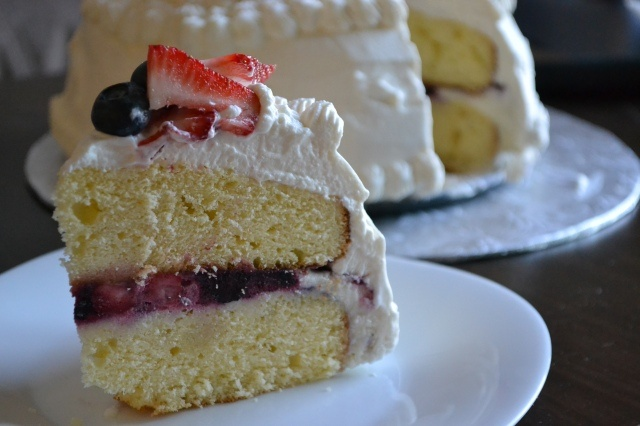 Berry Vanilla Ice Cream Cake | cake | Pinterest