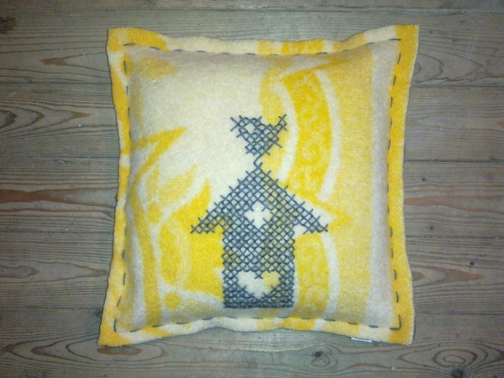 Dekenkussen Vogelhuis - cushion made from vintage blanket with handstitched crossstitch (now $29)