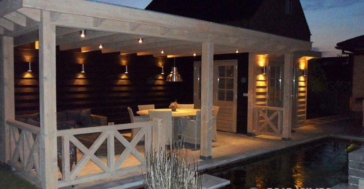 Mooie veranda met berging. Is gemaakt door van  den Berg Houtbouw