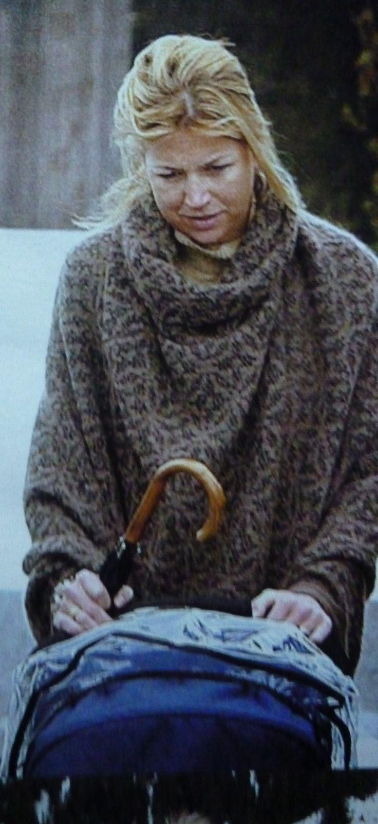 Eerste wintersportvakantie in Lech van Amalia en dan overlijdt oma Juliana, nog voordat er officiële foto's gemaakt kunnen worden.
