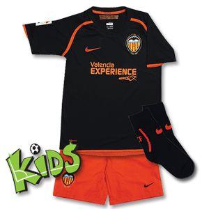 Nike 08-09 Valencia Away Infants Kit - Black/Orange 08-09 Valencia Away Infants Kit - Black/Orange http://www.comparestoreprices.co.uk/football-kit/nike-08-09-valencia-away-infants-kit--black-orange.asp