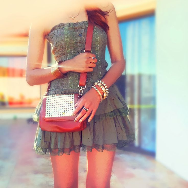 Fashion Blog Post   Stylishly casual in Earth Tones with Pops of Gold  Accessories and @edgarsfashion Bag