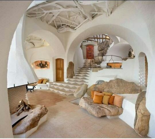 Cob house. Totally puts design of cob houses on a new level don't you think?