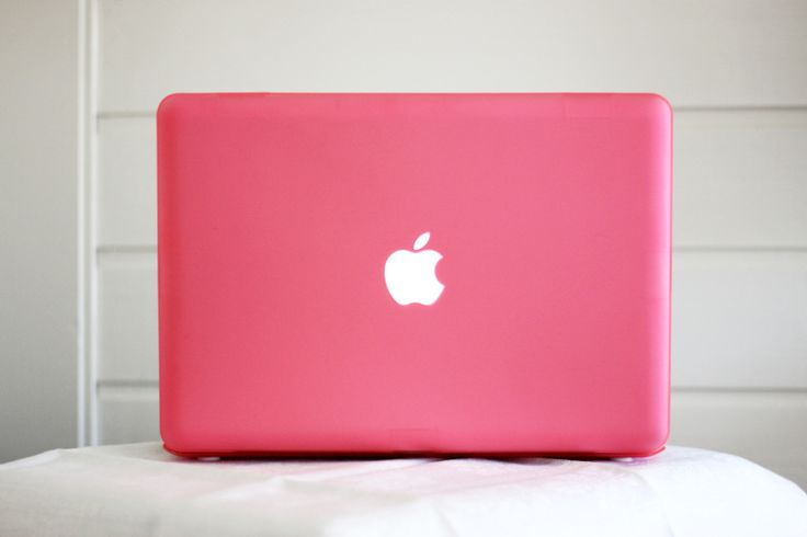 Apple laptop. That's what mine looks like :)