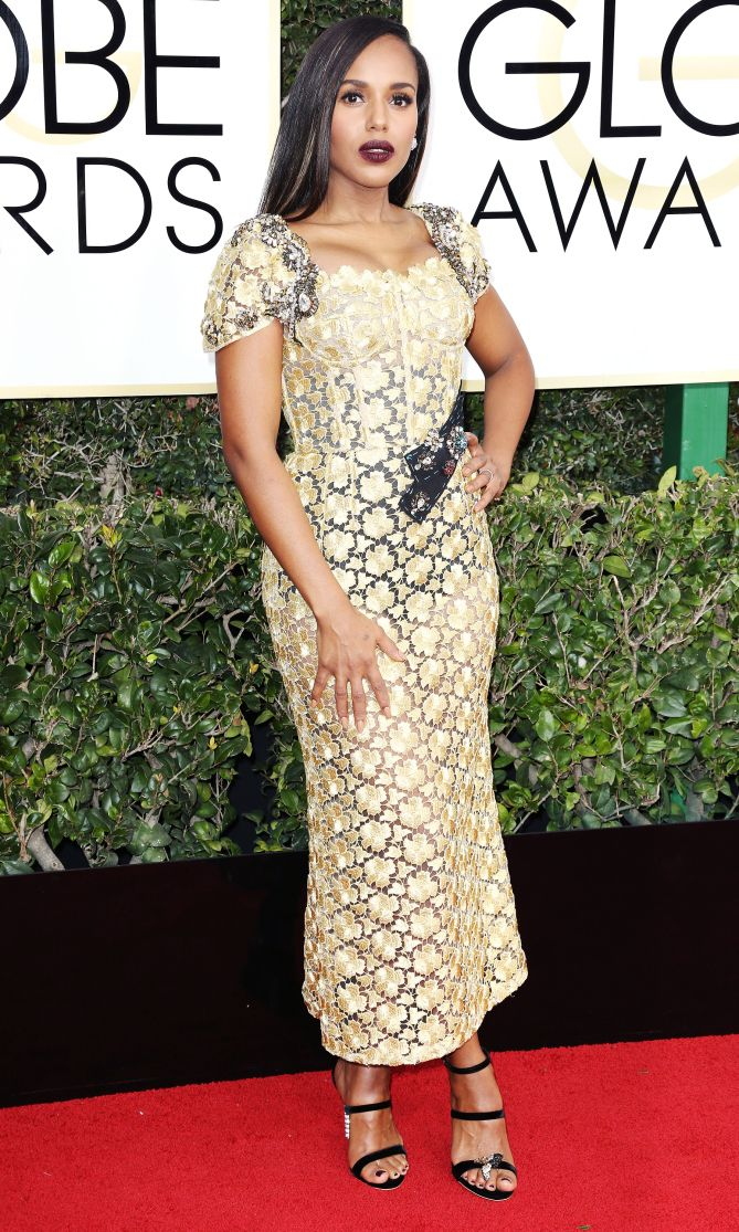 Golden Globes 2017 KERRY WASHINGTON in gold lace tea-length Dolce & Gabbana with dark silver sequin embellishment and black strappy Sophia Webster heels.