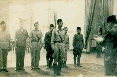 jendral sudirman saat dilantik Presiden Sukarno