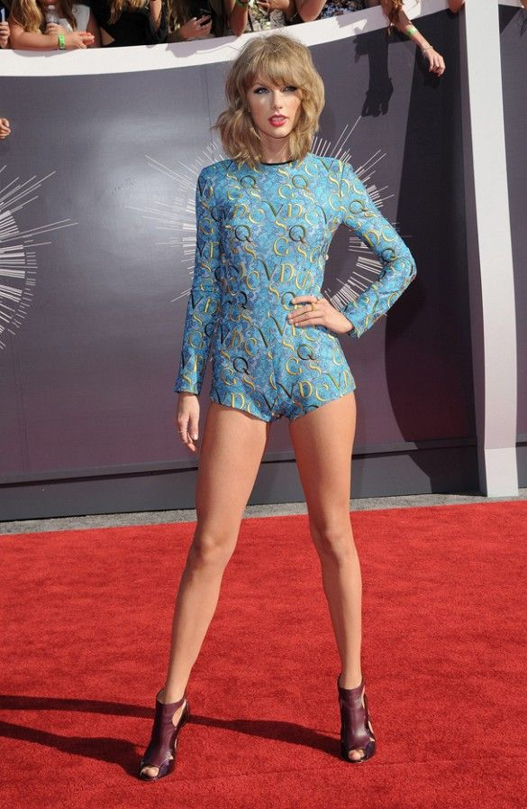 Taylor Swift in a Mary Katrantzou playsuit the MTV Video Music Awards
