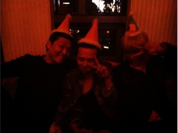 G-Dragon tweets a photo with Psy and an 'invisible' T.O.P