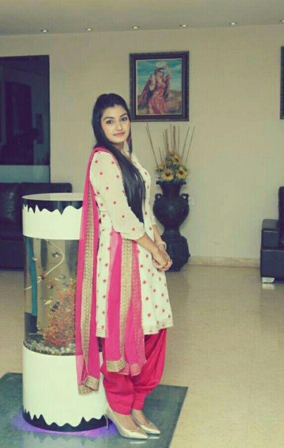 #punjabisuit #singer pink suit