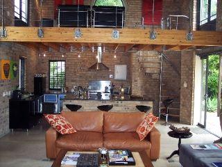2 bedroom House For Sale in Franschhoek, Franschhoek | 302174349 | RE/MAX  #ForSale # Modern #Loft #Victorian #Compact