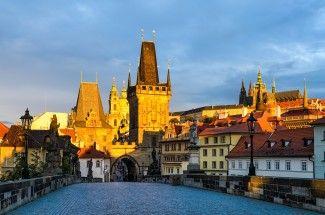 Charles Bridge and the Prague Castle in morning light, Prague.