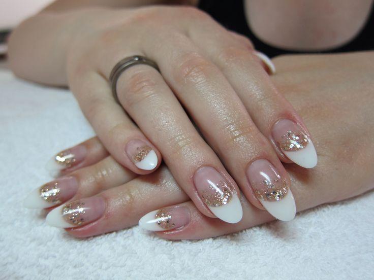 Nagelverstärkung mit french & goldglitter