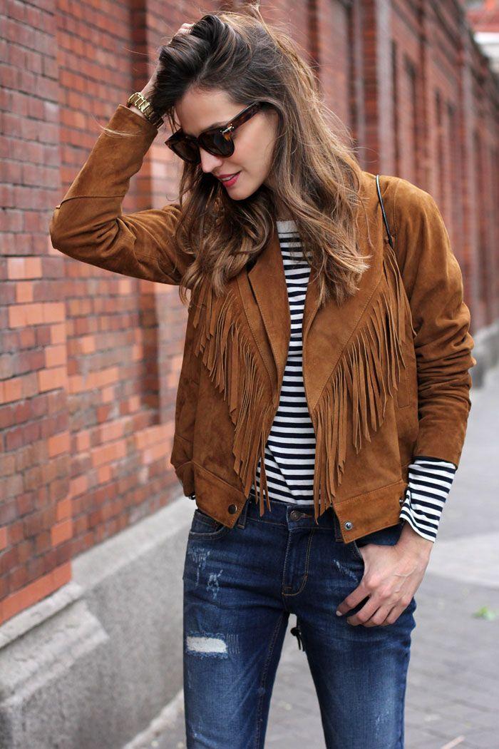 Los flecos esta temporada dominan y con más fuerza que nunca; su frescura, su estilo hippie y cómodo hacen que distintas prendas con ese detalle encanten a diferentes estilos de mujeres.